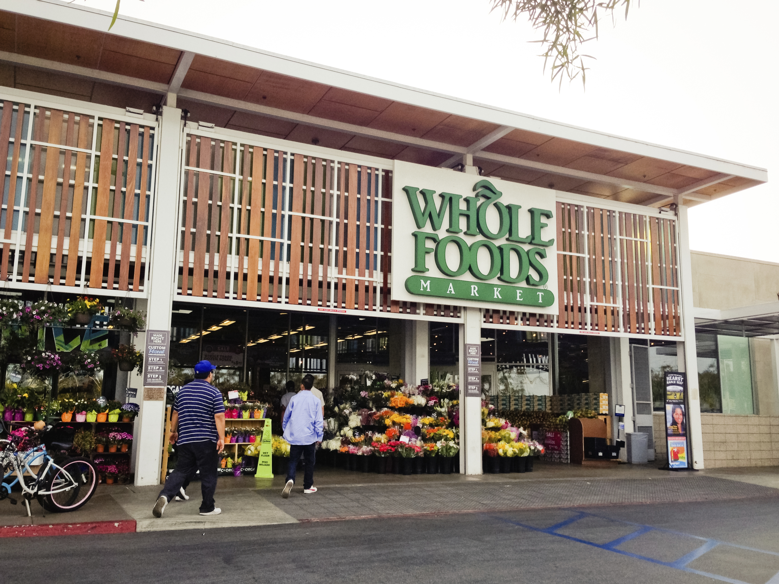 The FDA Scolds Whole Foods for Its Disgusting Kitchen