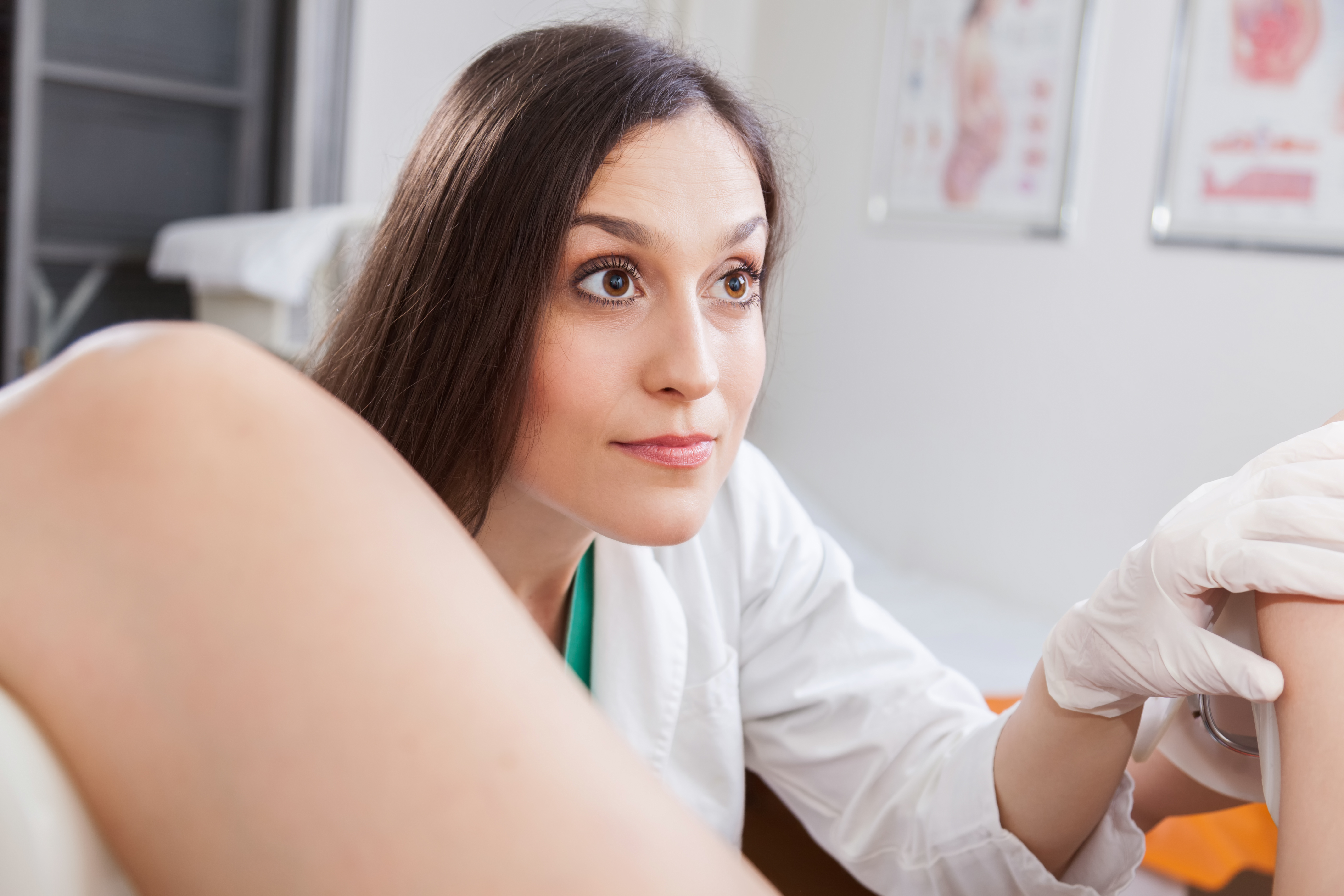 Girls putting tampons in at a gynecology exam photos 111