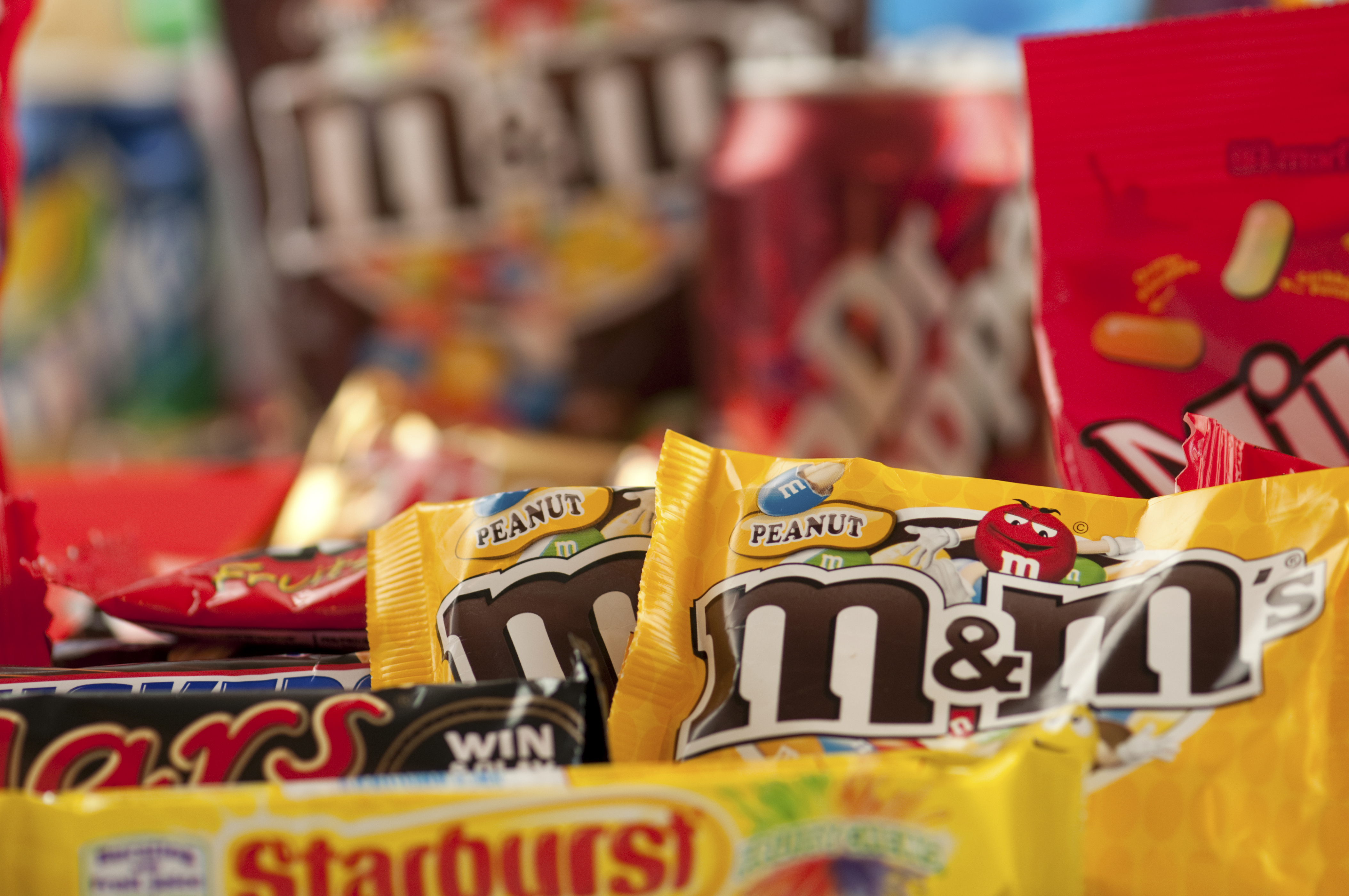 ways to boost energy instantly greatist 20 healthier halloween candy choices