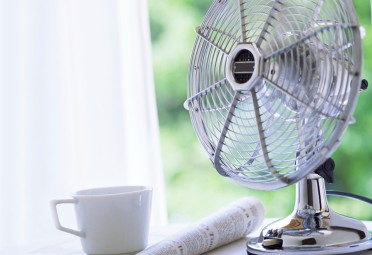 24 Tricks to Survive Hot Summer Nights (Without AC)