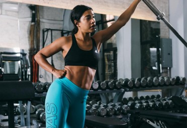 Hannah Bronfman working out at the gym
