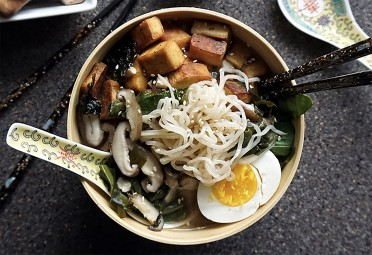 11 Keto-Friendly Noodle Bowls Way Better Than the Ramen You Ate in College