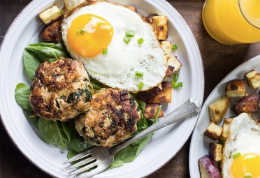 11 Paleo Recipes That Make Breakfast-for-Dinner a Regular Thing