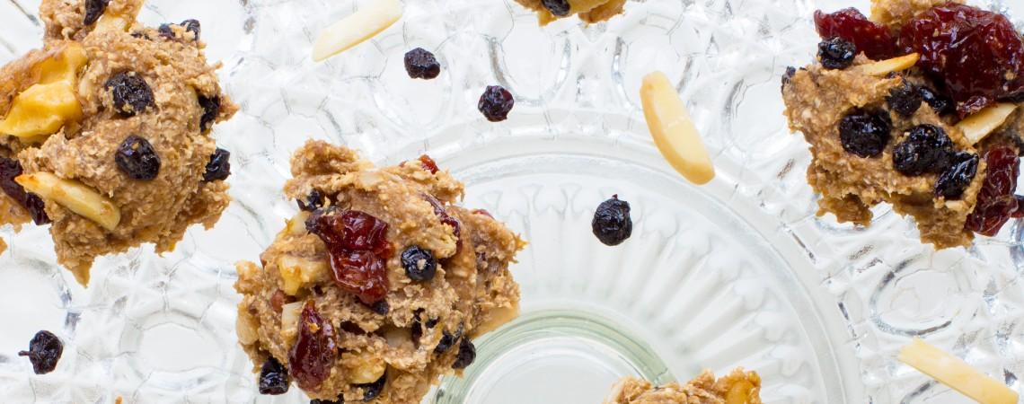 4-Ingredient Banana-Berry Cookies