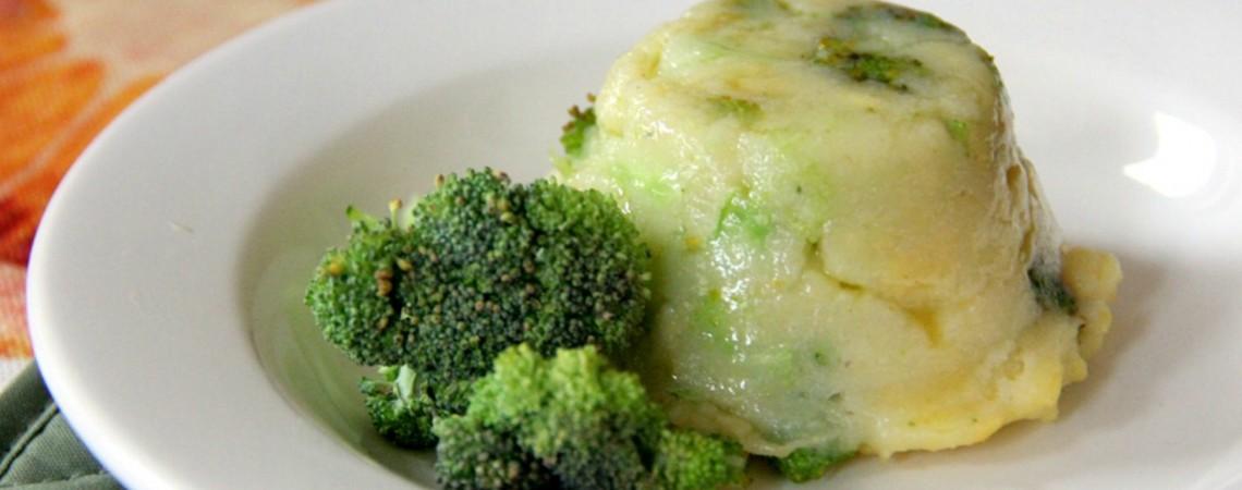 Mini Broccoli Polenta Cakes