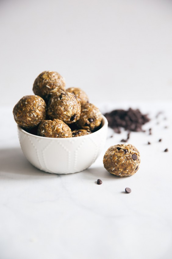 5-minute protein peanut butter energy balls