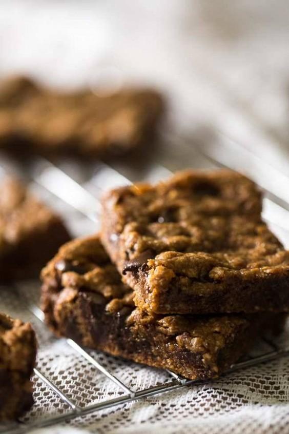 Paleo Chocolate Chip Cookie Bars