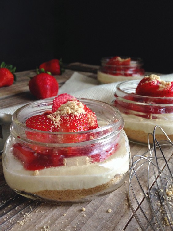 No-Bake Strawberry Cheesecake Jars