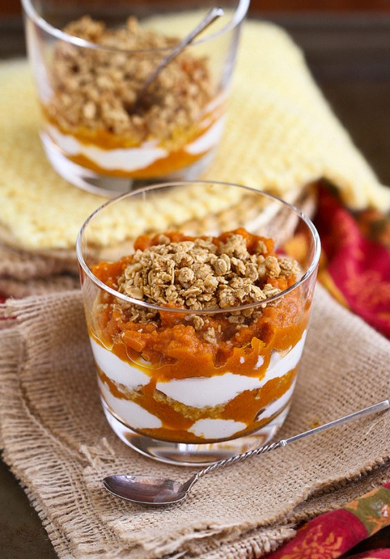 Healthy Spiced Pumpkin Yogurt Granola Parfait