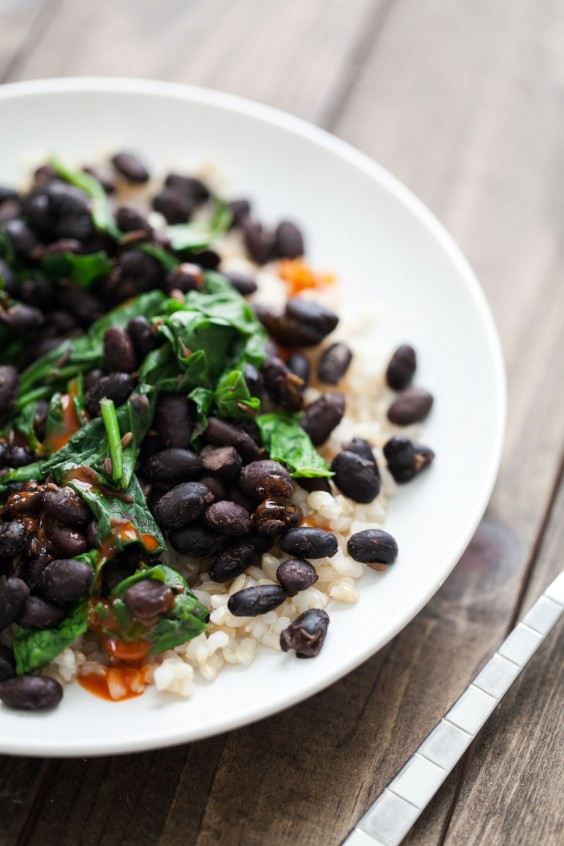 Vegetarian Recipes: 5-Ingredient Black Beans and Rice by Naturally Ella