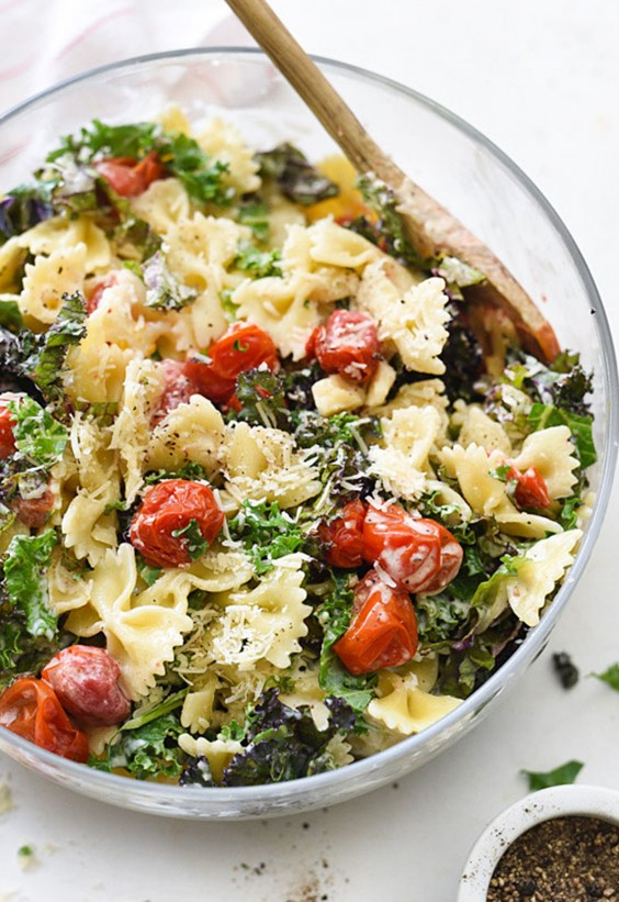 5-Ingredient Dinner: Kale Ceasar Pasta