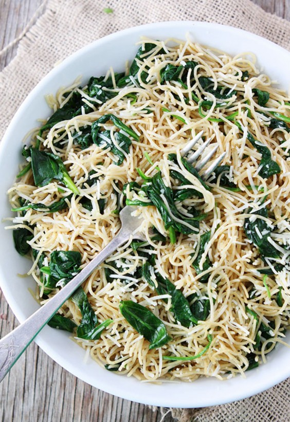 5-Ingredient Dinner: Spinach Pasta