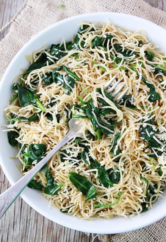 5-Ingredient Dinner: Spinach Pasta