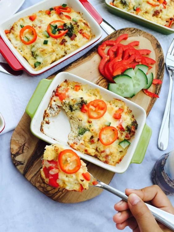 Broccoli Cheese Pepper Omelette