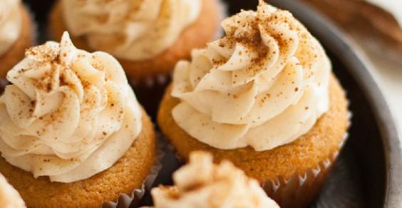 Snickerdoodle Paleo Cupcakes