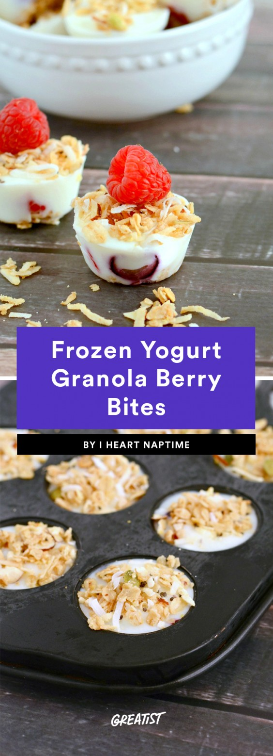 Frozen Yogurt Granola Berry Bites
