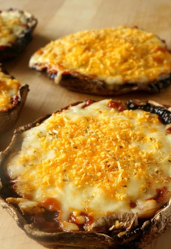 5-Ingredient Dinner: Portobella pizza