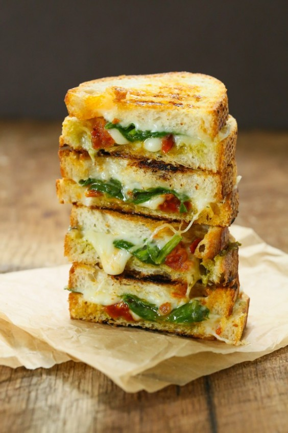 Sun-Dried Tomato Spinach Grilled Cheese Sandwich