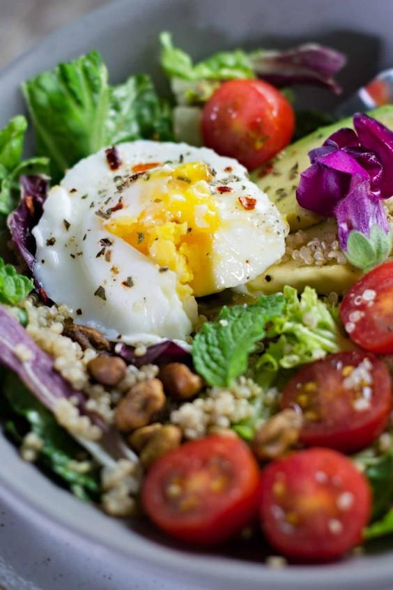 poached egg avocado breakfast salad