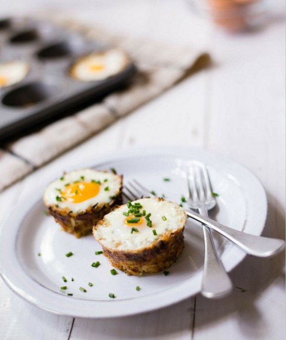 Baked Eggs in Spaghetti Squash Boats