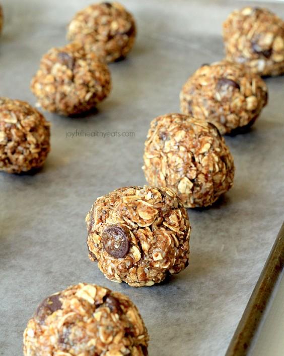 No-Bake Dark Chocolate Coconut Almond Butter Energy Bites