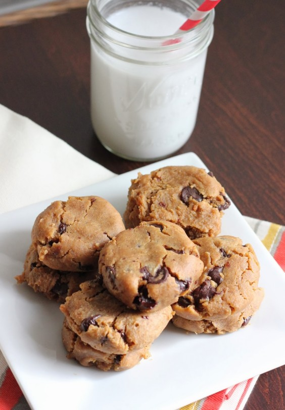 Peanut Butter Chocolate Chip Chickpea Cookies