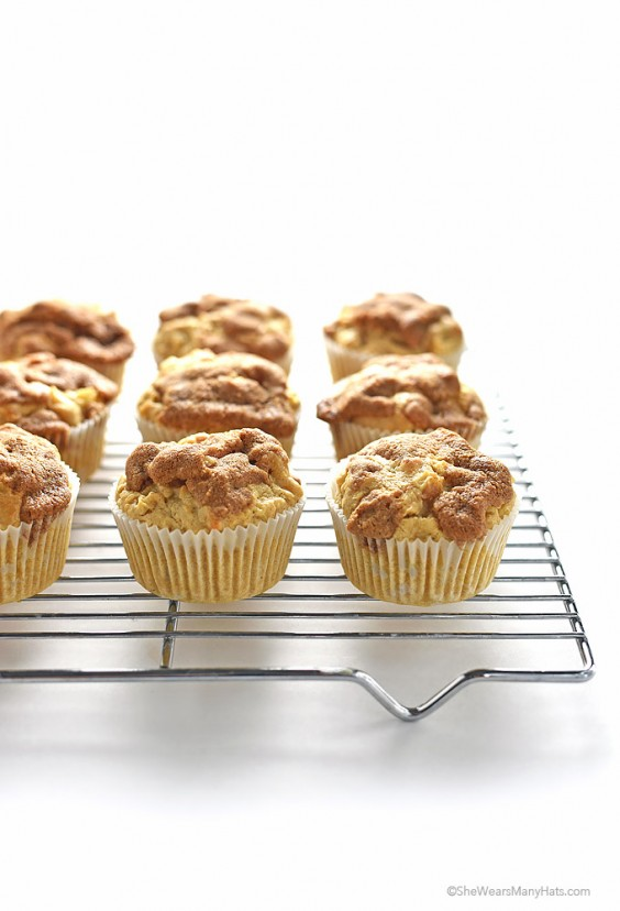 31. Apple Cinnamon Muffin Recipe With A Cinnamon Crunch Topping