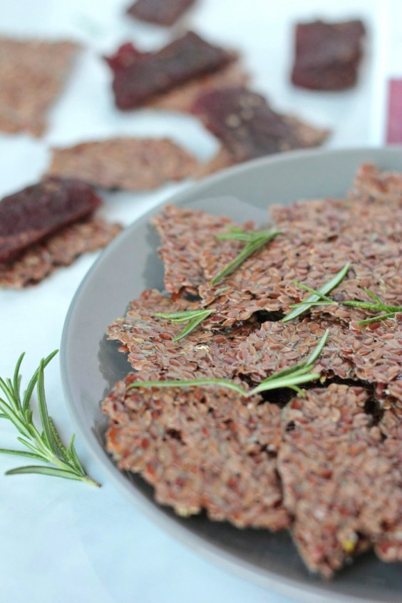Detox Recipes: Lemon Rosemary Flaxseed Crackers