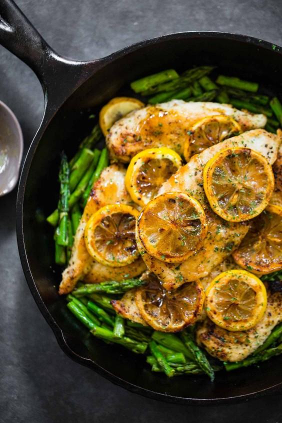 5-Ingredient Dinner: Chicken w/ Asparagus