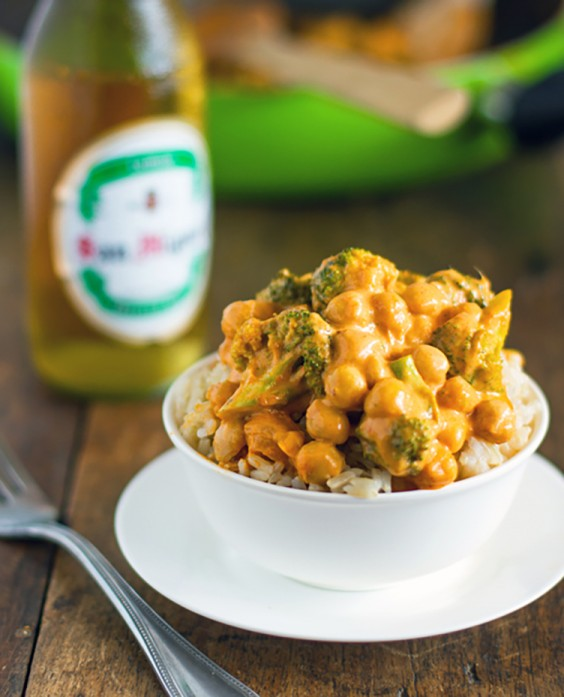 Vegetarian Recipes: 5-Ingredient Coconut Curry by Pinch of Yum