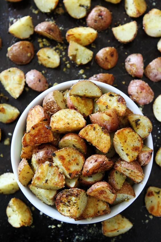 Roasted Parmesan pesto potatoes