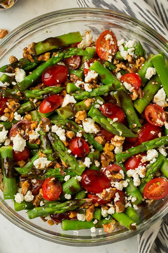 Detox Recipes: Asparagus, Tomato, and Feta Salad