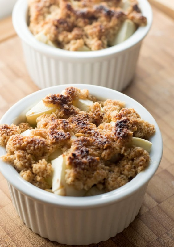 oatmeal fruit crumble