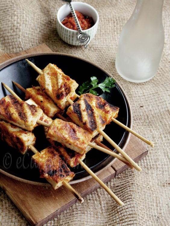 Harissa marinated tofu skewers