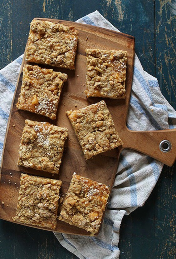 almond butter granola bar