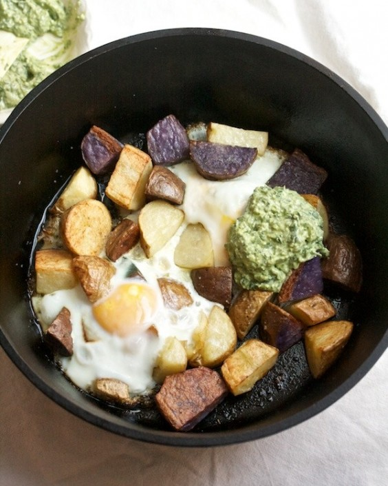 One Pot Meals: Crispy Potatoes with Baked Eggs and Pesto Yogurt