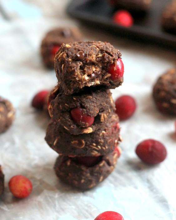 Protein Cookies: Cranberry Chocolate Protein Cookies by Hummusapien