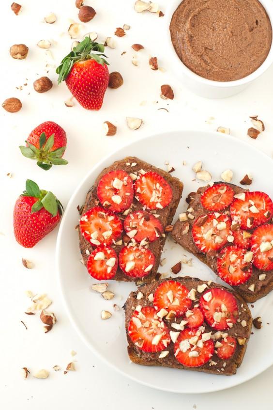 strawberry nutella bruschetta