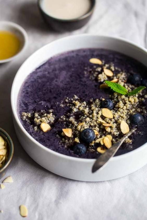 Blueberry Almond Breakfast Quinoa Smoothie Bowl