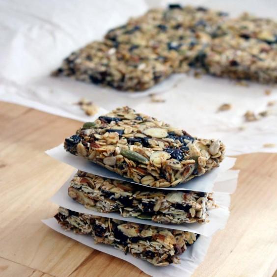 6. DIY No-Bake Chewy Granola Bars