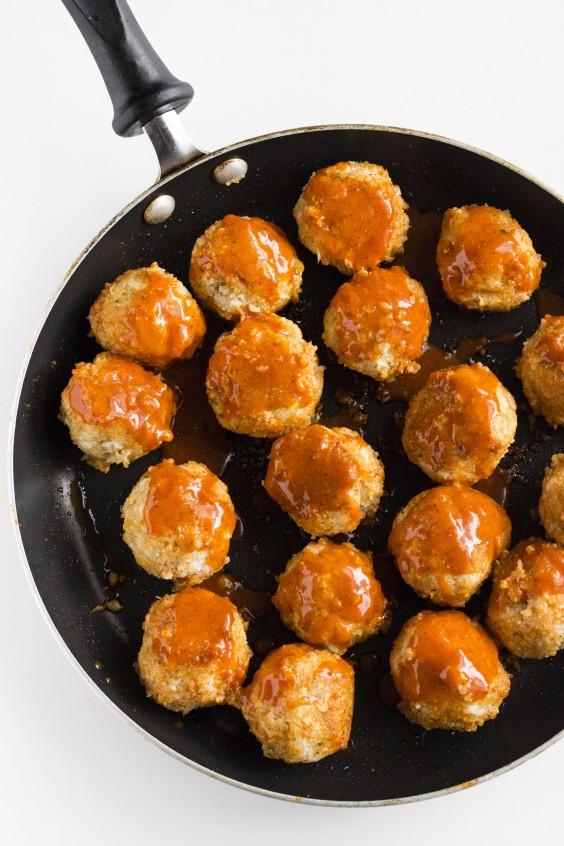 Buffalo Cauliflower Veggie Meatballs