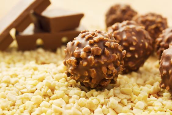 Vegan Chocolate Hazelnut Truffles (Just Like Ferrero Rochers ...