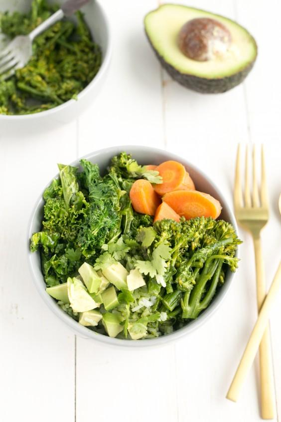 20 Gluten-Free Lunches: Green Detox Bowl with Thai Basil Pesto