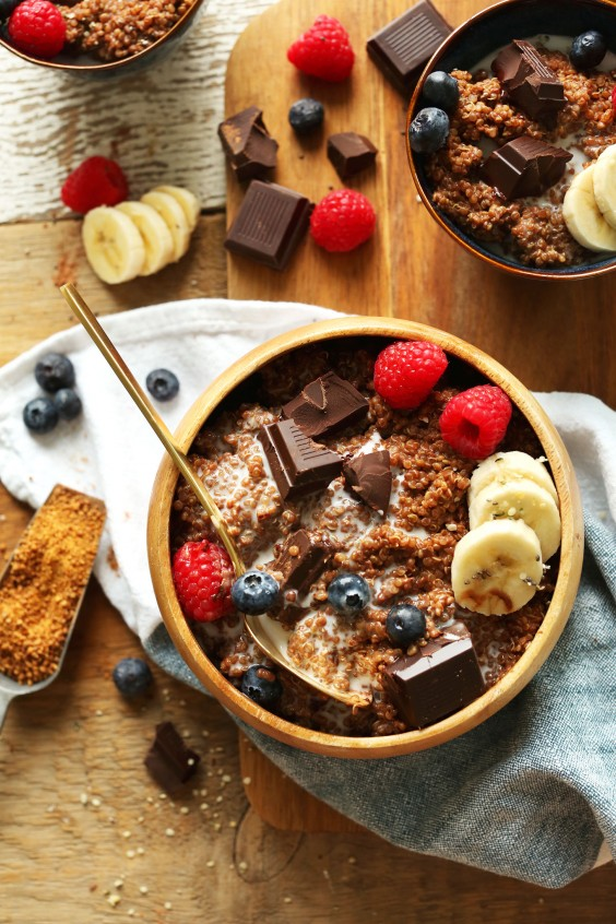 Dark Chocolate Quinoa Breakfast Bowl