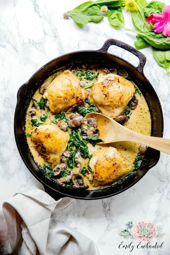1. Keto Chicken Florentine in a Skillet #greatist https://greatist.com/eat/keto-chicken-recipes