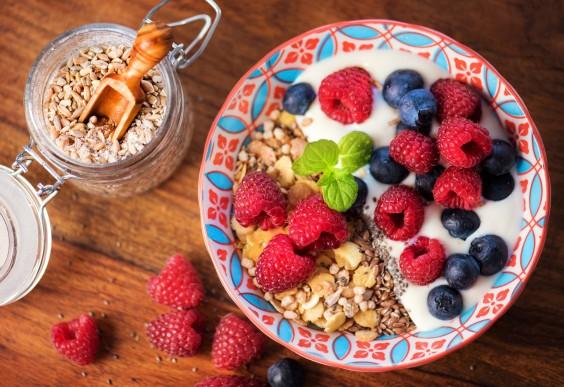 Flaxseed Yogurt and Fruit Breakfast