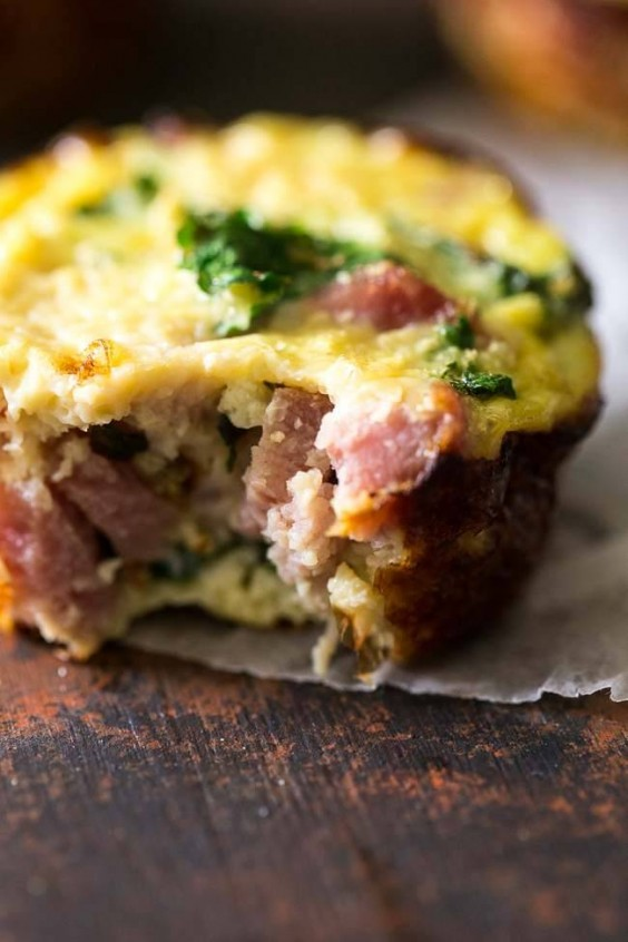 19. Egg Muffins With Ham, Kale, and Cauliflower Rice