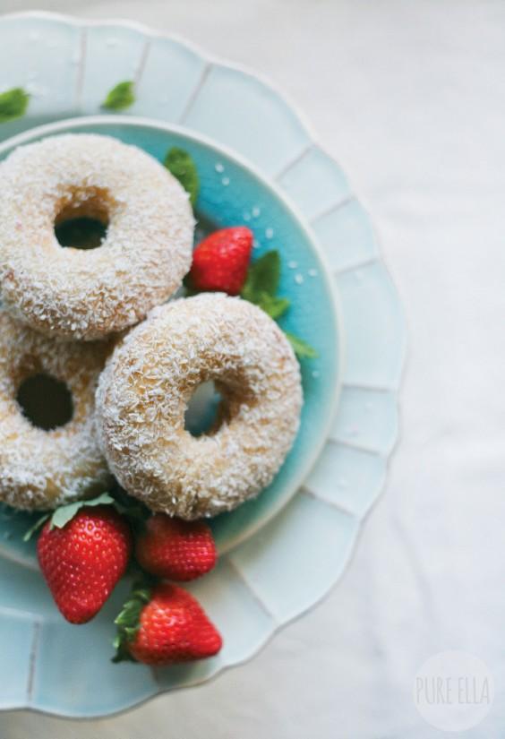 Vegan Coconut Vanilla Doughnuts
