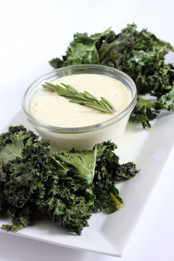 Paleo Snacks: Kale Chips With Garlic Aioli
