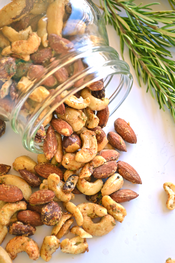 Paleo Snacks: Garlic Herb Roasted Nuts